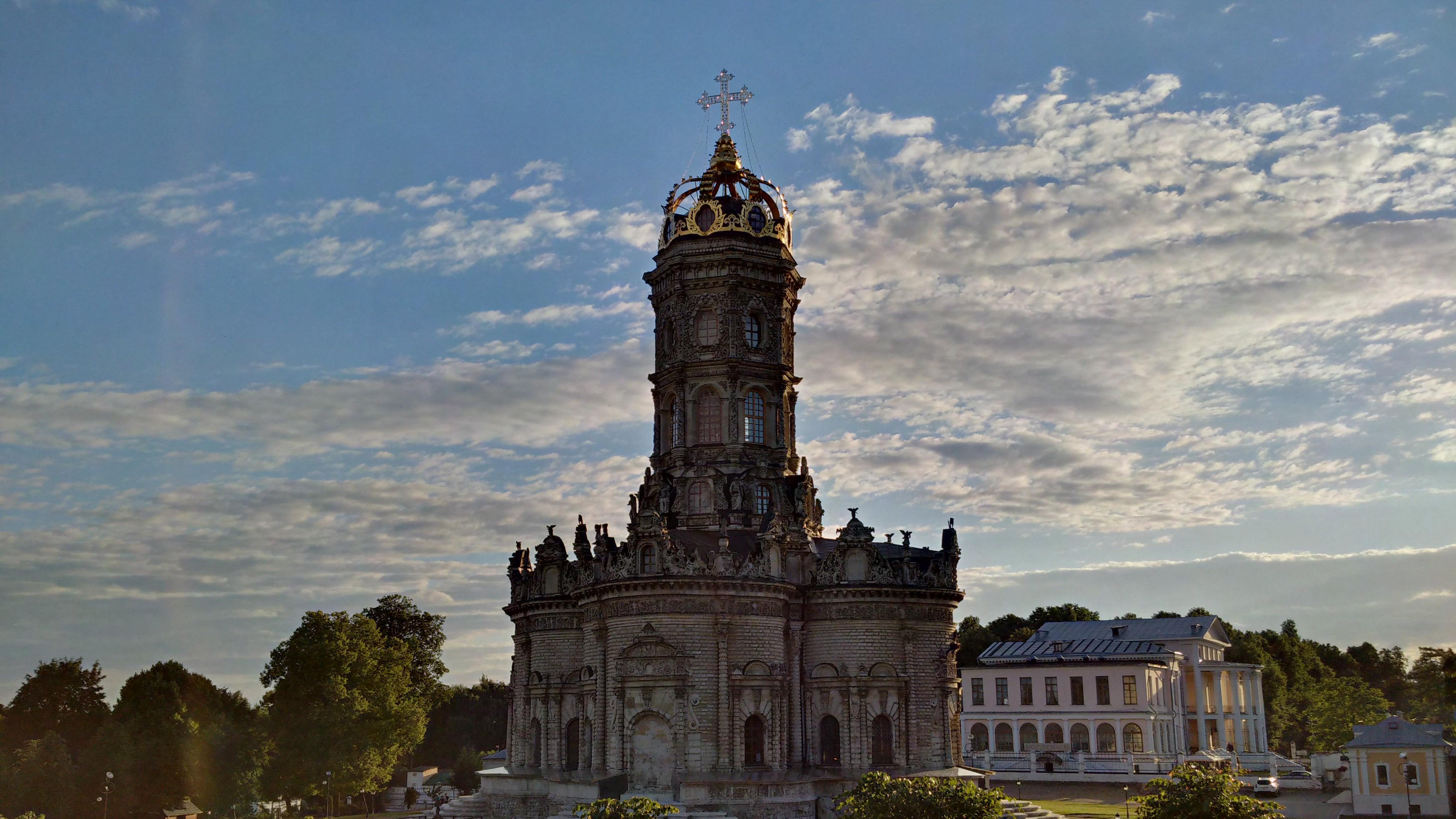 церковь с короной
